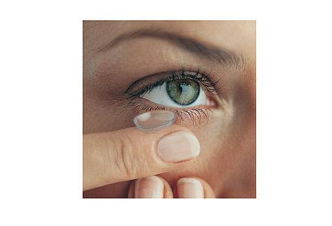 Skötsel av kontaktlinser  761b78e2bd3c6